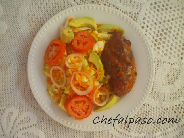 ensalada fresca con pollo en salsa dulce