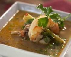 sopa estilo tailandes