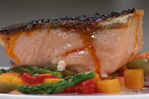 salmon con mantequilla de chile ancho