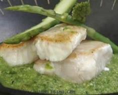 lomo de pescado en mole_verde