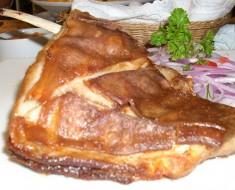 costillas de cordero duradas con salsa criolla