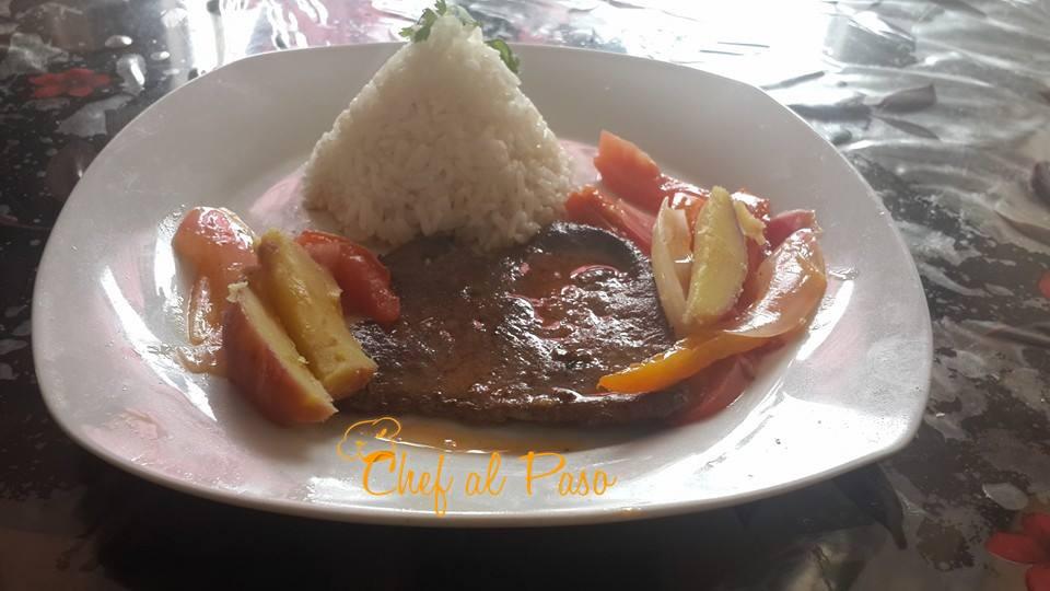 H gado encebollado con arroz blanco chef al paso for Cocinar higado