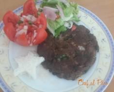 Tortitas  de carne molida con ensalada fresca 2
