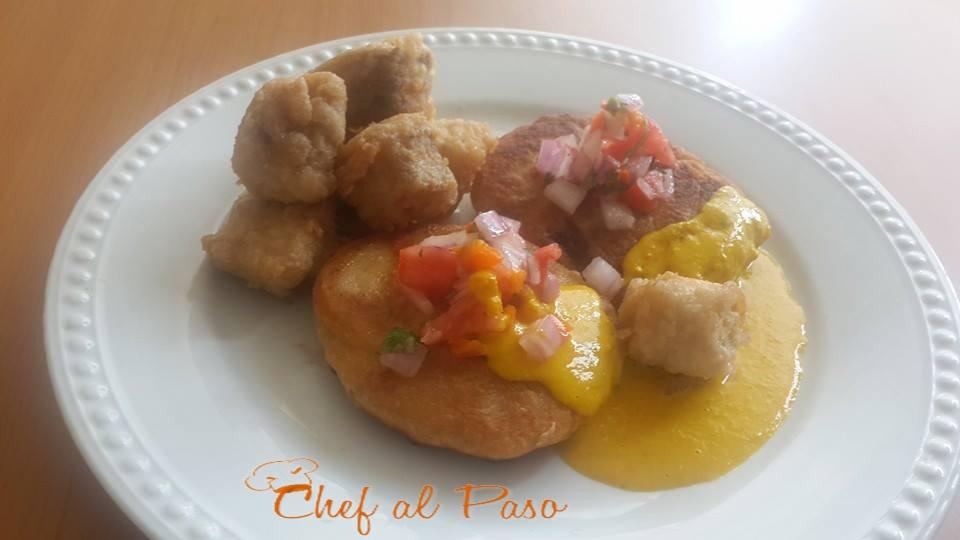 Tortitas de mote con chicharrón de pescado y aji de maracuya 12
