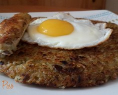 calentado de arroz con alitas de pollo coronada con un huevo frito 2