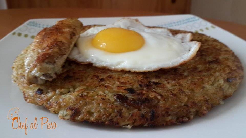 Calentado de arroz con alitas de pollo montado con huevo for Cocinar 2 tazas de arroz