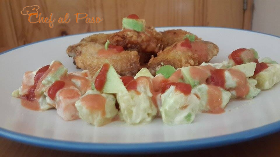 alitas de pollo  con ensada de palta  y manzana  2