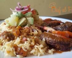 arroz amarillo con platano maduro y guiso de res 2
