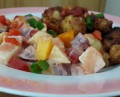 chicharrón de pollo con ensalada de verduras y frutas 3