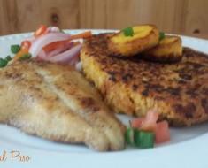tacu tacu con pescado y salsa criolla 2