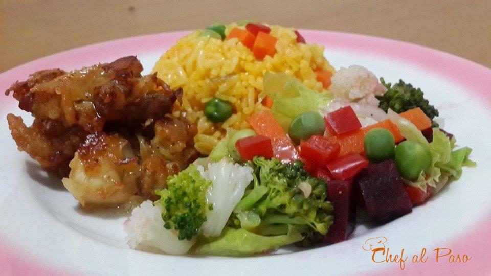 Piernas de pollo deshuesadas con arroz amarillo y ensalada - Arroz con verduras y costillas ...