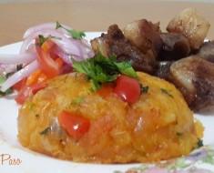 Chicharrón de chancho con majado de yuca y salsa criolla  3
