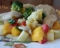 ensalada de pollo deshuesado con verduras y frutas 2