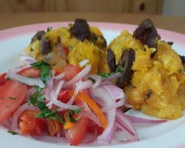 carne seca con majado de yuca  y salsa criiolla