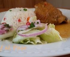 encuentro de pollo con arroz y ensalada 3