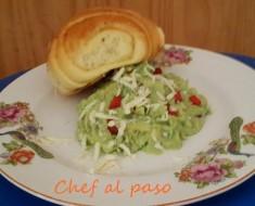 Guacamole con queso reyado 2