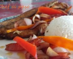 filete se suco encebollado con arroz blanco 2