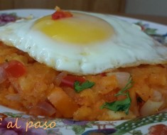 Rico majadito de yuca con huevo frito 6