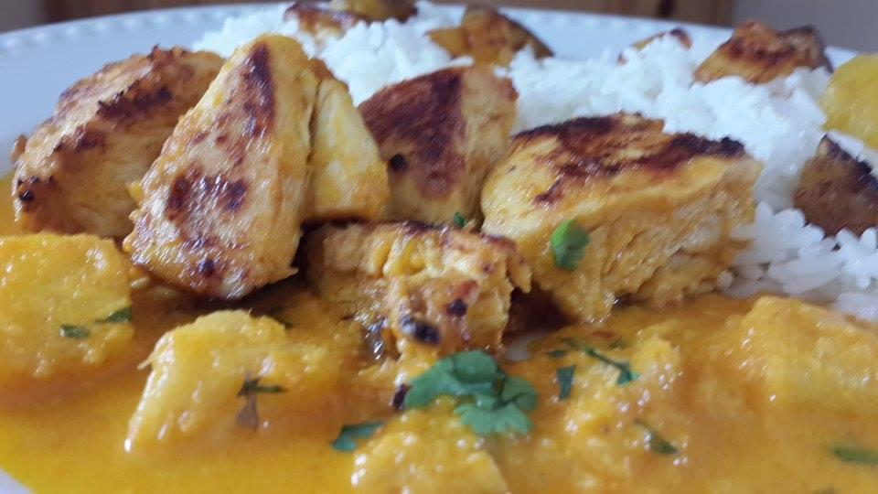 arroz con platonos maduros  guiso de pollo con piña