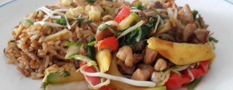 saltado de cerdo agridulce con arroz chaufa 3