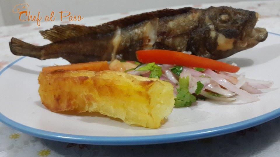 cabrilla frita con yucas  duras y salsa criolla 3