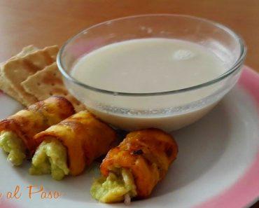 plátanos rellenos de aguacate con leche de soya 2