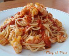 pasta-en-salsa-de-tomate-con-lngostinos-al-ajo-4