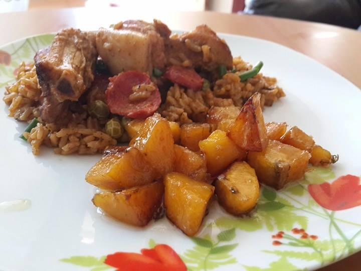 arroz con panceta de cerdo y maduros